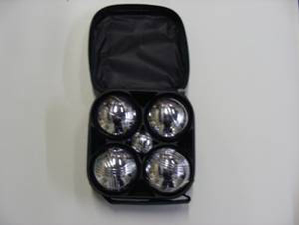 Set of 4 leisure boules in a bag with a measure and a metal jack
